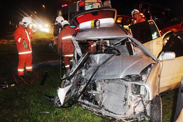 Man killed in car-pickup truck crash   Borneo Post Online