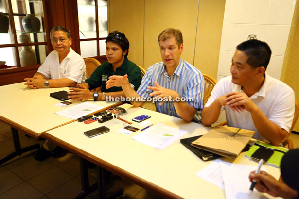 Kammen (second right) addressing members of the media. With him (from left) are Kallang, Gabriel and See. — Photo by Muhammad Rais Sanusi