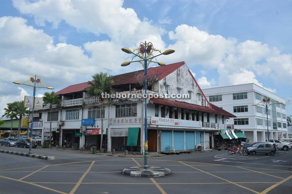 Bintangor town is very quiet, with very few cars and motorcycles on the road.