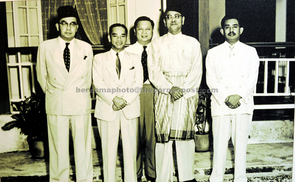 Najib Mewarisi Semangat Tekun Bekerja Ayahanda Borneo Post Online
