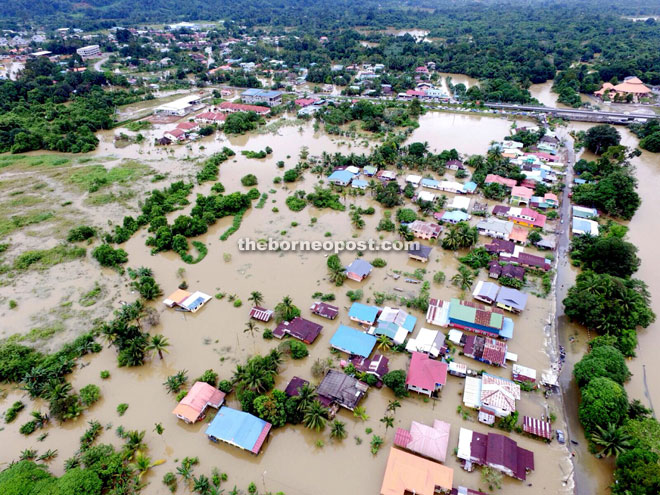 Footage from State Civil Defence (JPAM) Drone Unit shows the flood situation at Kampung Hulu, Serian at 11am yesterday.