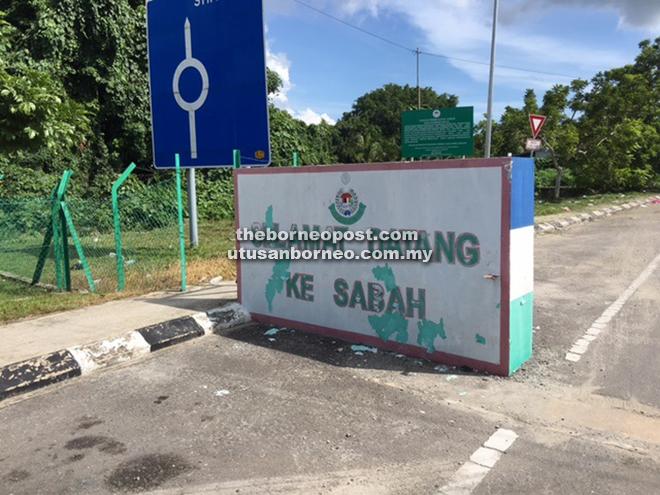 A welcome sign at the Sarawak-Sabah border.
