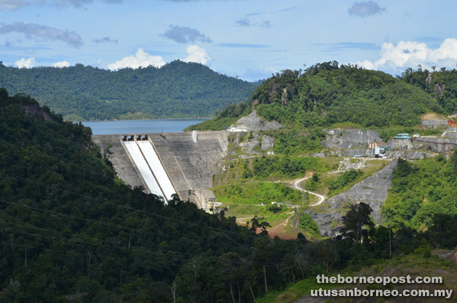 A beautiful view of the Murum HEP Dam from Batu Tungun platform.