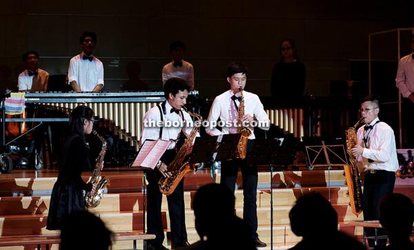 SJS Jazz Band performs Astor Piazzolla's 'Libertango'.