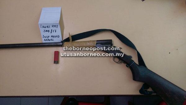 Helmetless motorcyclist caught with homemade shotgun | Borneo Post