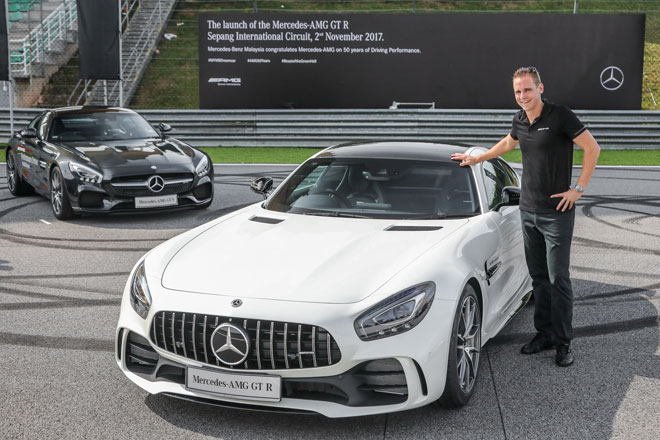 Mercedes Launches Its Amg Gt R Street Legal Race Car Borneo Post Online