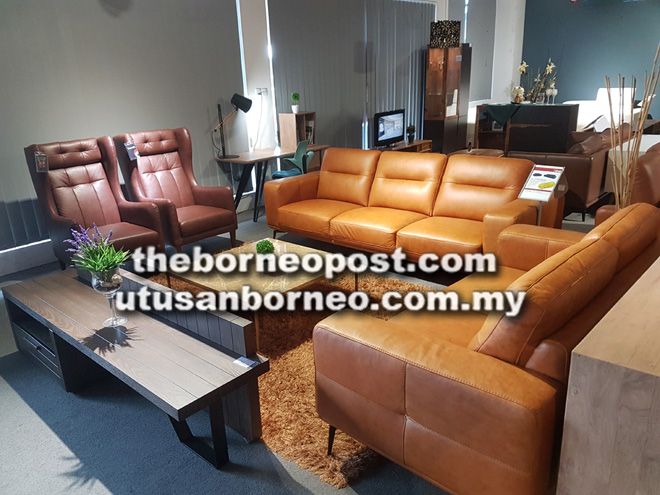 A Semi Aniline Leather Sofa Set By Trenzol Curly Sold At Wee Hua Boo Trading