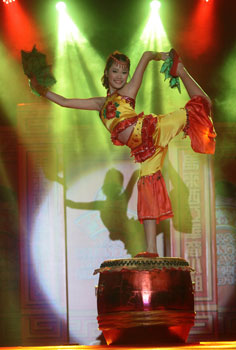 MISS TALENT: Lau impresses guests with her cultural performance.