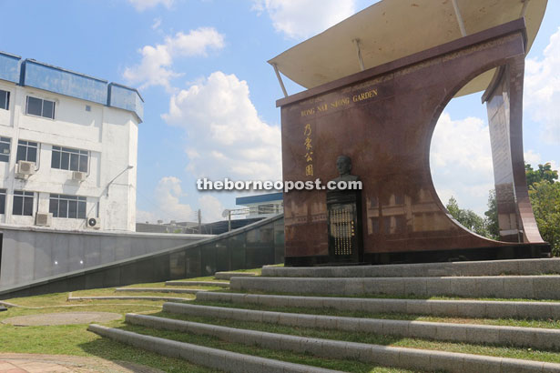 Wong Nai Siong Memorial Park in Sungai Merah is built to honour the town's pioneer Foochow immigrants from southern China.