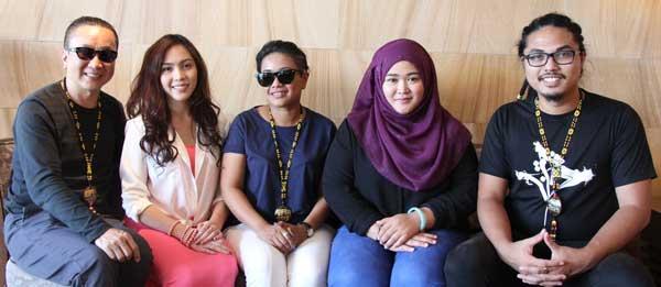 Action director Chan Man Ching, Liyana Yus, director Siti Kamaluddin, Nadiah Wahid, and assistant director Fai Zaini.