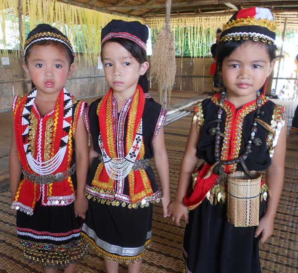 Kindergarten pupils from Kampung Maan in their Bidayuh traditional costumes.