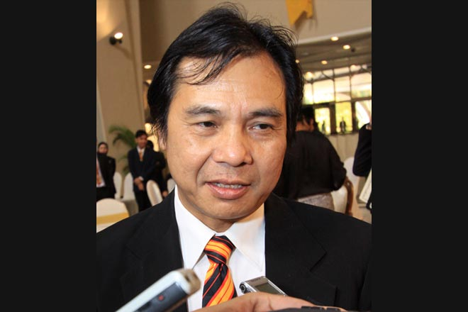 We have to address this problem urgently. We are seeking emergency funds from the federal government, but if they do not have the money, then we have to turn to the state government. Datuk Dr Jerip Susil, Assistant Minister of Public Health