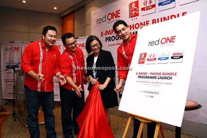 (From right) Farid and The Borneo Post, Utusan Borneo and thesundaypost general operations manager Phyllis Wong launch the partnership together with RedONE chief operations officer Tee Yew Yaw and RedONE chief sales officer Ben Teh. — Photos by Chimon Upon