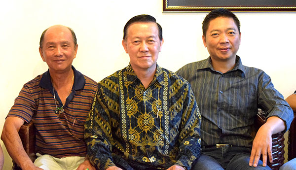 Stanley Soong (centre) and his Karaoke friends.