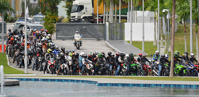 Big bikers making their way to the campus.