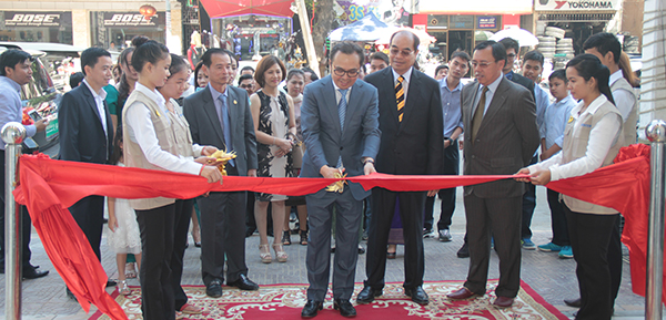 Vongsey opens the first DIY shop in Phnom Penh dealing in quality products.