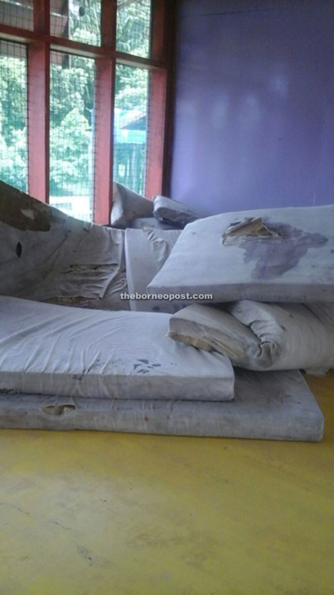 SMK Sundar students are given mattresses that are torn, stained, smelly and unhygienic.