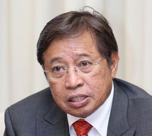 Datuk Amar Abang Johari Tun Openg