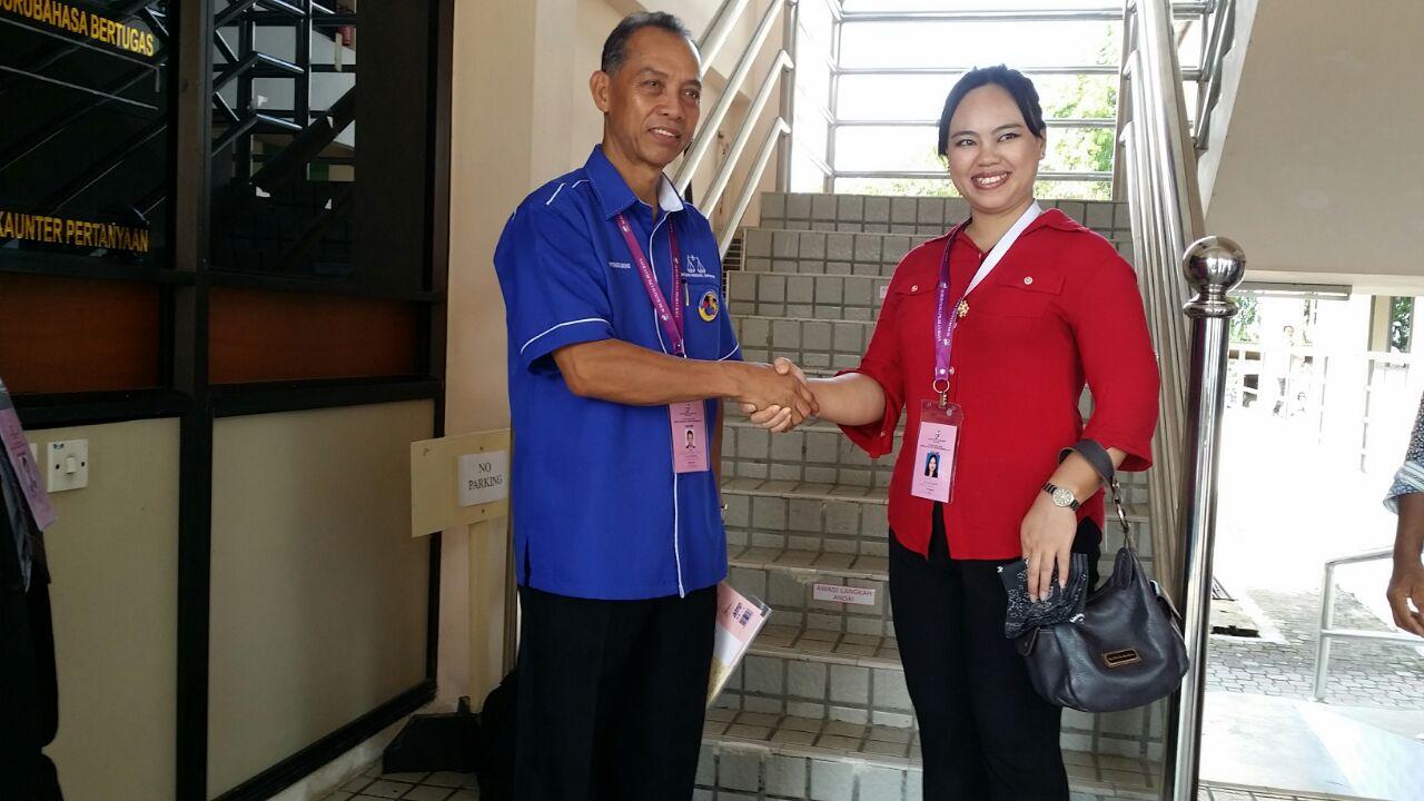 BN-SPDP's Datu Dr Penguang Manggil meets PKR's Elia Bit at the Marudi Nomination Centre at 8.40am.