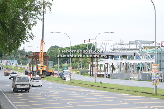 According to Tiong, the implementation of the overhead bridge costing some RM6 million is a waste of government funds as it would be replaced soon by a flyover.