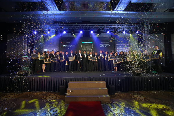 Photo shows the winners of the third annual Southeast Asia Property Awards (Malaysia) 2016, with PropertyGuru Malaysia chairman Tunku Seri Menanti Tunku Ali Redhauddin Tuanku Muhriz.