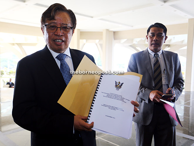 Abang Johari shows his ministerial winding-up speech to reporters upon bumping into them at the DUN Complex.
