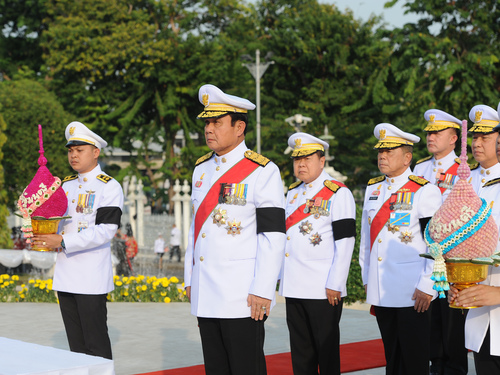 BANGKOK, Dec. 10, 2016 (Xinhua) -- Thai Prime Minister Prayut Chan-o-cha (front) and other officials attend a ceremony marking the Thai Constitution Day at the Government House in Bangkok, Thailand, Dec. 10, 2016. The Thai Constitution Day is observed annually on December 10 in remembrance of the birth of the country's first written constitution in 1932. (Xinhua/Rachen Sageamsak).**** (Credit Image: © Rachen Sageamsak/Xinhua via ZUMA Wire)