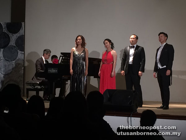 From left: Pianist Chen, sopranos Teo and Ang, and tenors Lau and Koh during one of their pieces.