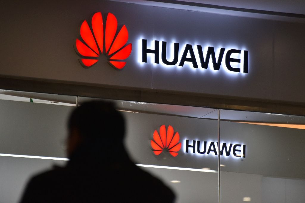 Google suspends Huawei's Android licence