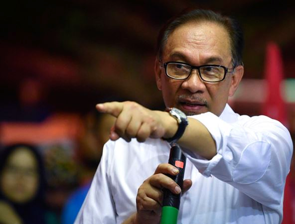 Malaysia: Opposition leader set to form new government
