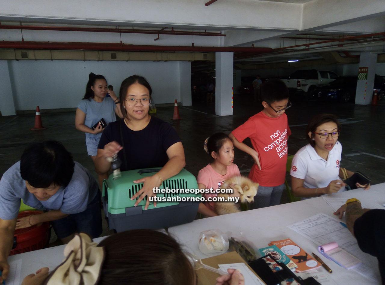 Neighbourhood Committee Offers Subsidised Vaccinations, Neutering | Borneo Post Online