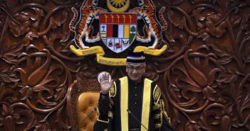 Motion to vacate Speaker's post constitutional – Expert