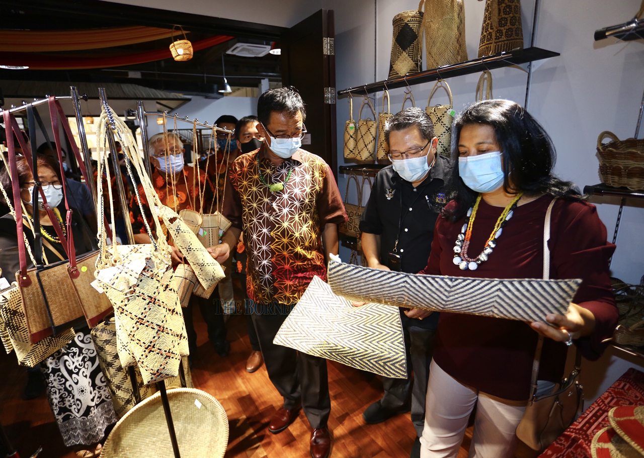 Karim suggests setting-up  of craft centre in Kuching
