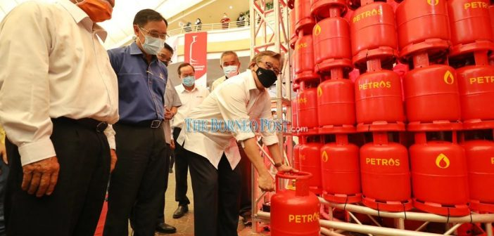 Sarawak's Petros brand LPG launched, to be distributed next year